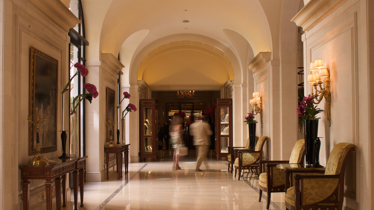 Hotel George V - Palace Architecture - Affine Design