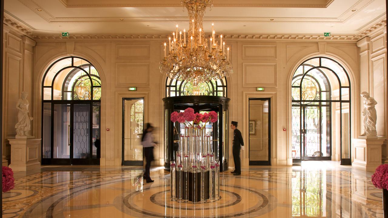 Hotel george v affine design palace architecture for Hotel design paris 11