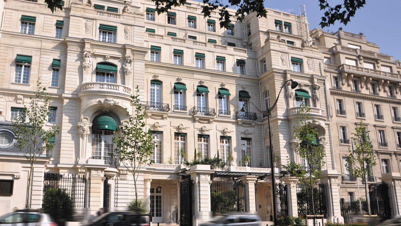 H tel shangri la affine design palace architecture for Hotel design original paris